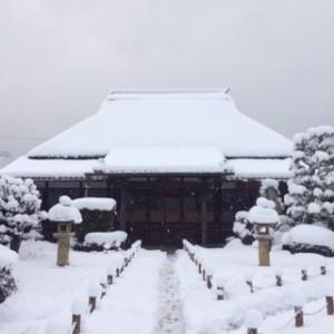 通夜、葬儀の時は大雪でした。