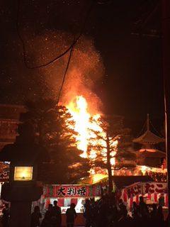 423eb6a916856 今年は良い天気で、あっという間に燃えました。炎が